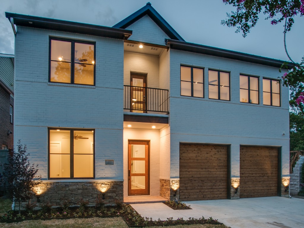 CUSTOM BUILT HOME IN LAKEWOOD, DALLAS, TX – BUILT BY CUSTOM HOME BUILDER, DESCO FINE HOMES.