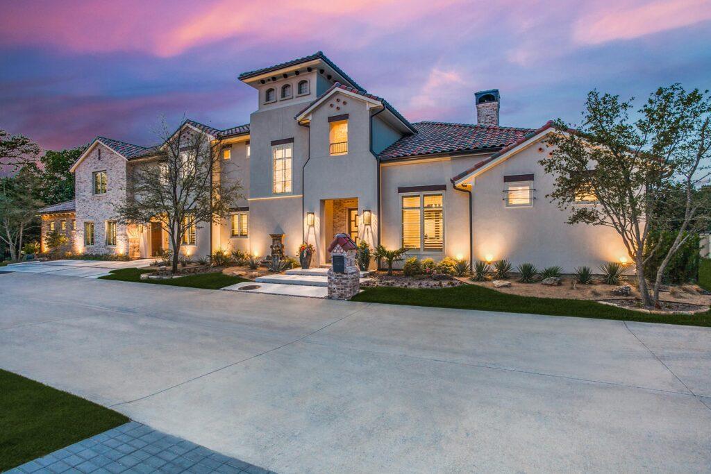 DESCO FINE HOMES: New Custom Home at 1 Bella Porta Place in Davinci Estates in North Dallas, TX